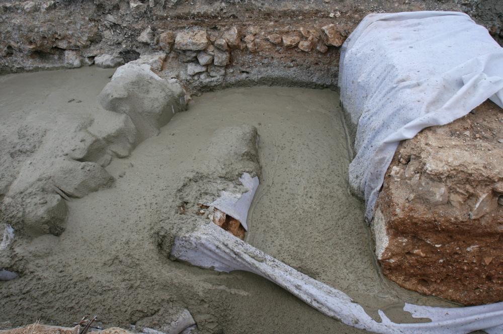 Burial 008